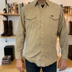 Wrangler pearl snap long sleeve work shirt